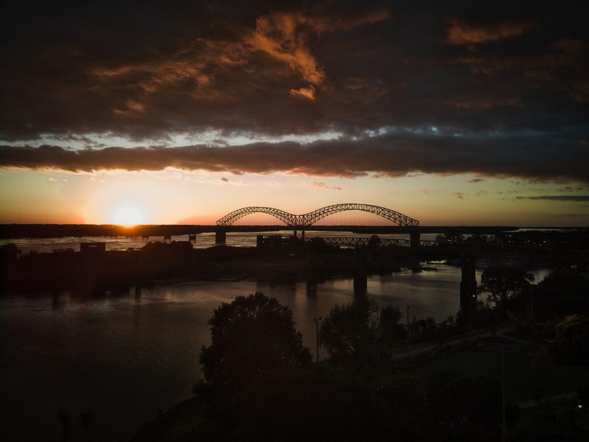 16x20 Memphis Bridge